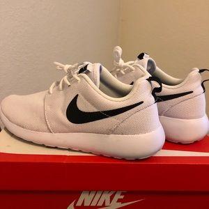 White Nike Roshes